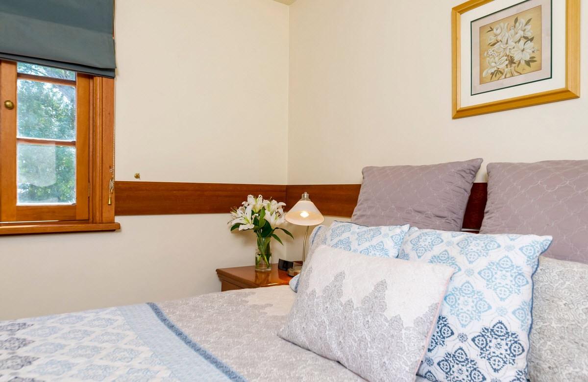 https://www.tanundacottages.com/wp-content/uploads/2019/12/originalc-cottages-bedroom-min.jpg